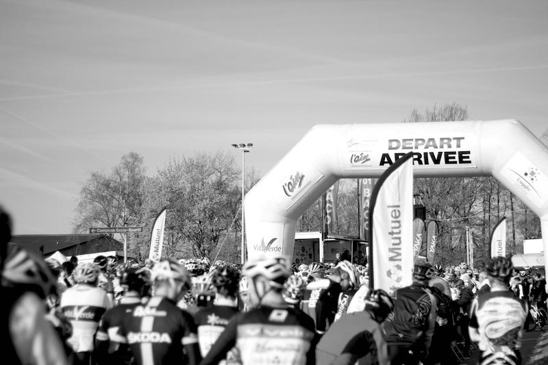 Les cyclosportifs au départ de la Bisou édition 2016