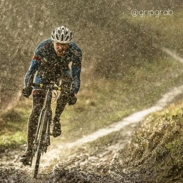 Rouler dans la boue