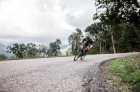 cycliste en descente