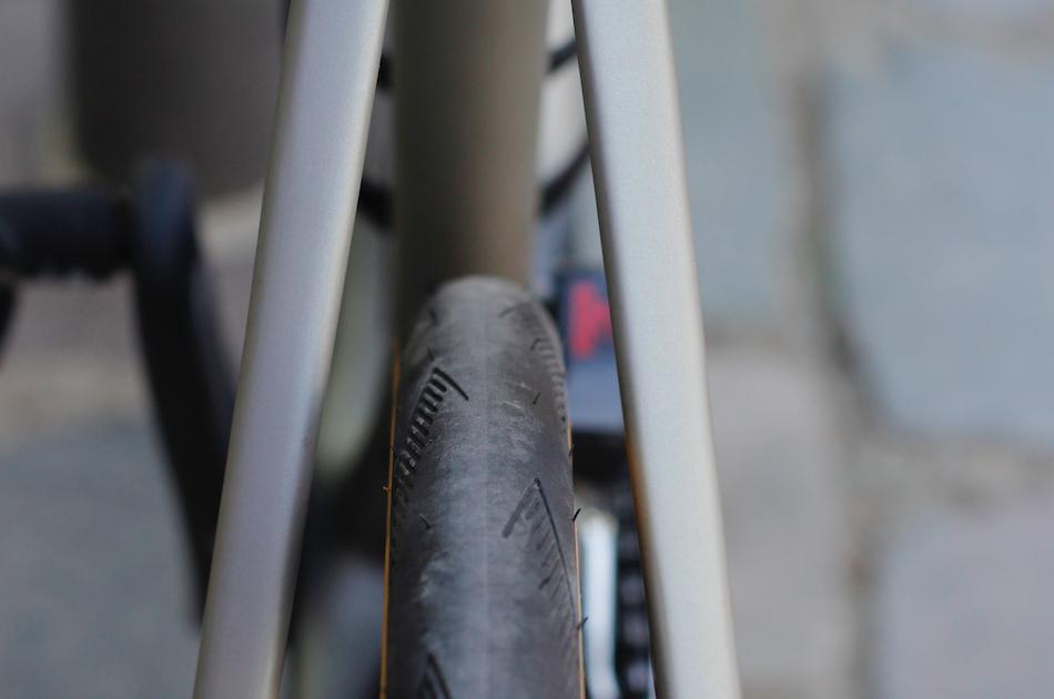 Verification de l'usure des pneus d'un velo