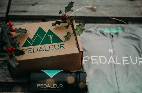 Box Pédaleur et maillot de vélo