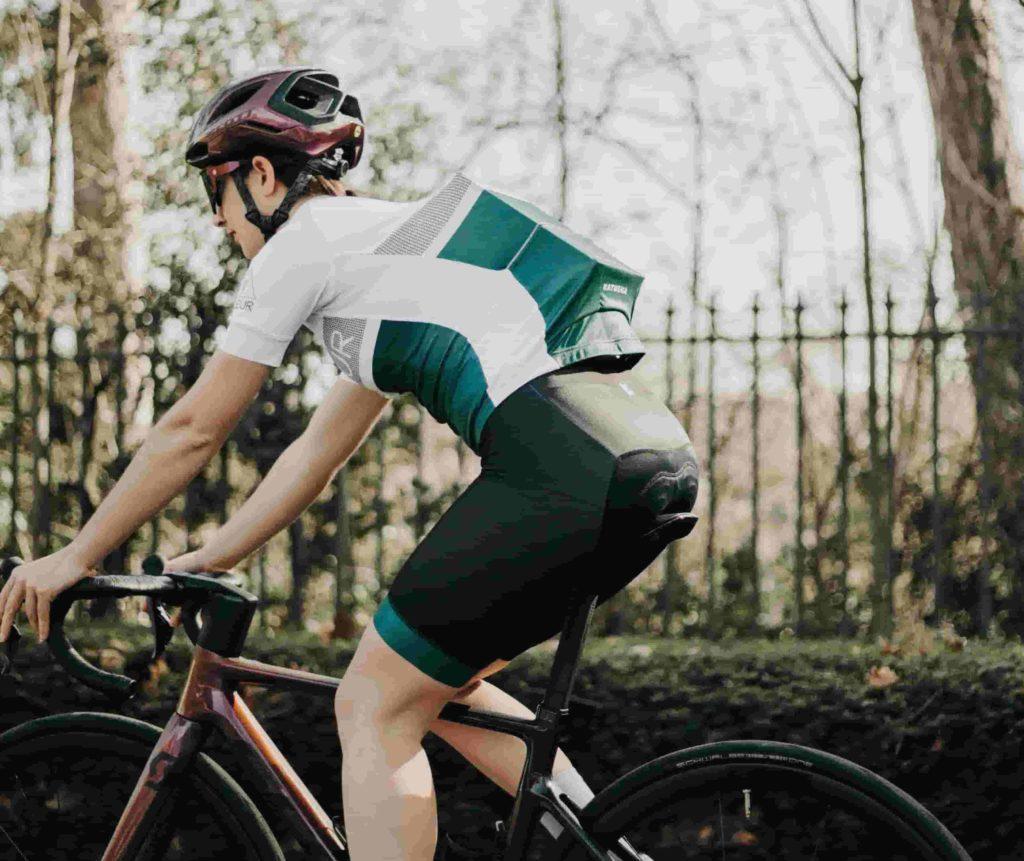 cycliste et box pédaleur