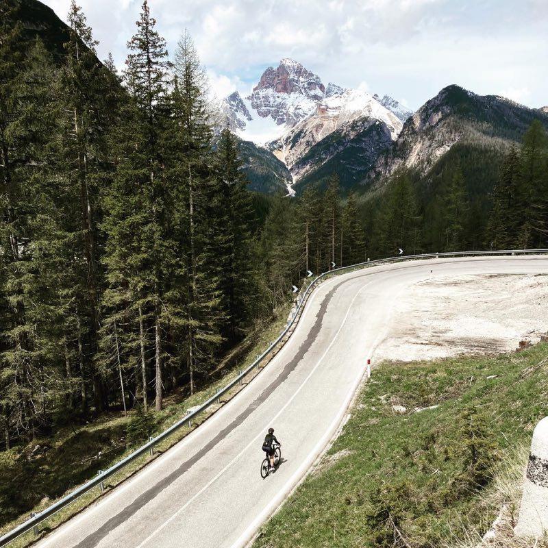 Rouler en Italie dans la région des Dolomites