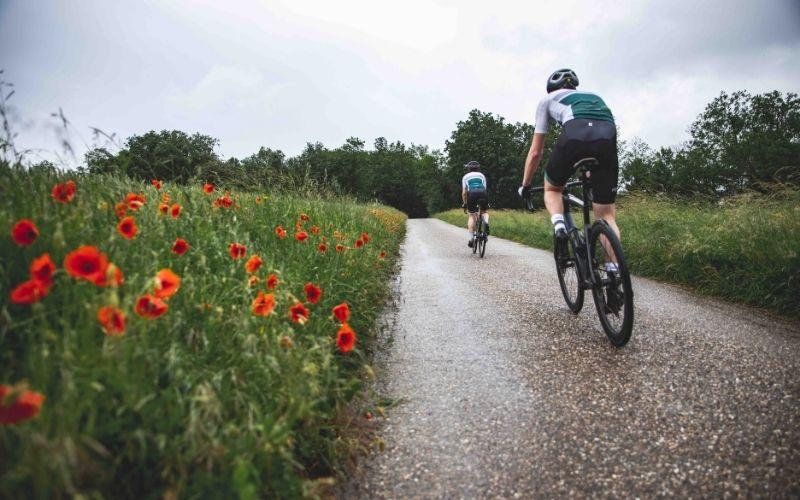 deux cyclistes Pédaleur